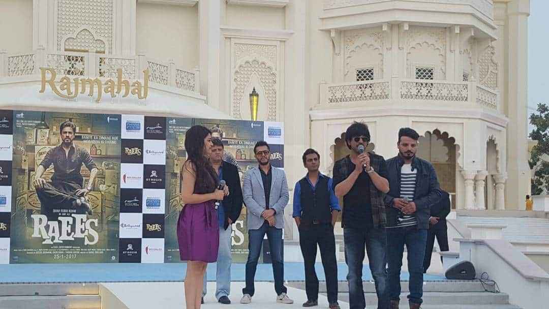 SRK Promotes Raees at Dubai Parks & Resorts